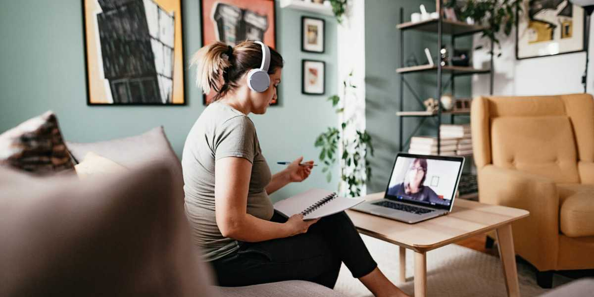 Communicating with remote employees: 5 tactics to keep them engaged